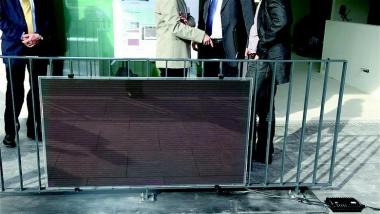 «Solar Rail» – éléments solaires fonctionnels dans les balustrades de balcon (Projet NPR de 2009 à 2011)