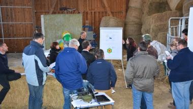 Production laitière efficiente:un instrument de gestion pour les exploitations laitières